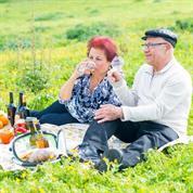 יעקב ואתי מורד טעם הארץ-הרצאות וסדנאות בדרך היין